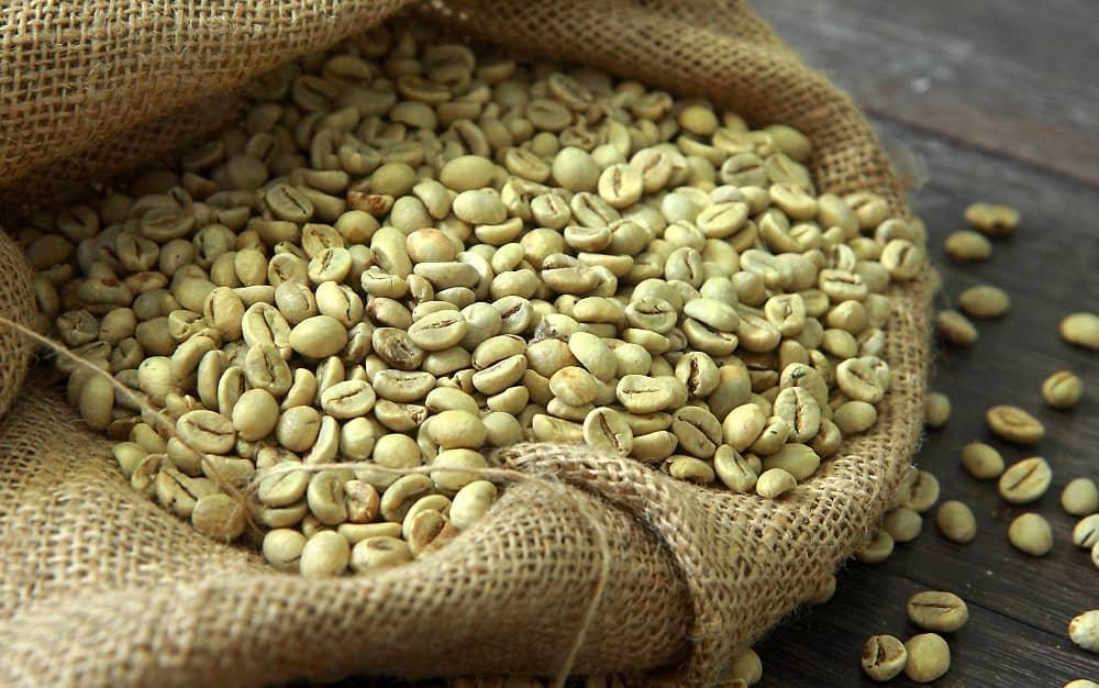 hạt cà phê xanh sau khi tách thịt quả