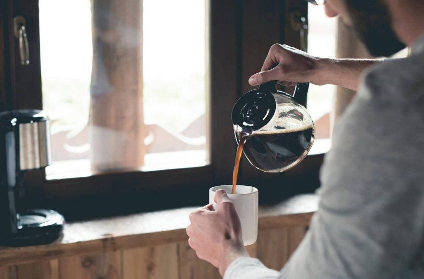 """""""Giờ vàng"""" uống cafe trong ngày: Không phải buổi sáng thức dậy đâu nhé!"""